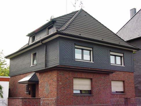 Eindeckung mit BRAAS Frankfurter Pfanne, Farbe: Granit